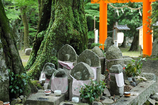 Jizo Buddha statues at Hiyositaisha shrine